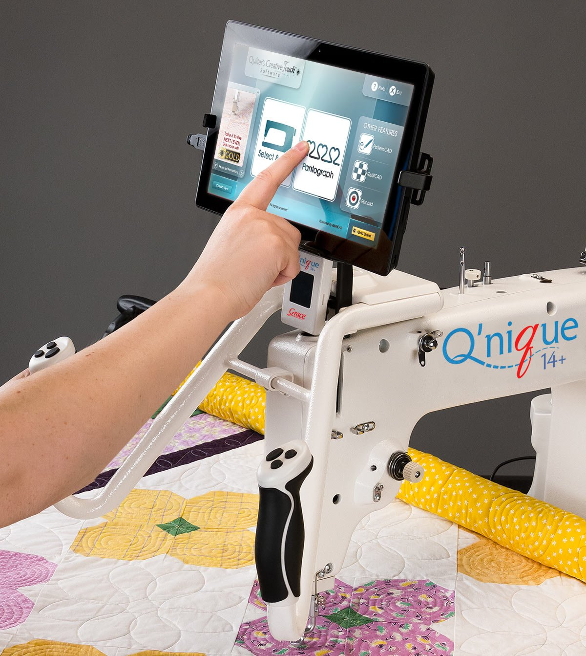 QCT on Mid arm quilting machine