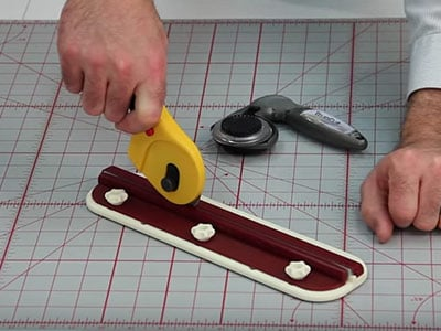 How to use the Linear (Manual) Shapener with 60mm blades